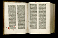 Image of the Gutenberg Bible open to pages 018 verso and 019 recto.