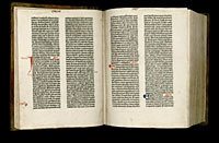 Image of the Gutenberg Bible open to pages 019 verso and 020 recto.
