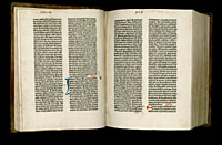 Image of the Gutenberg Bible open to pages 021 verso and 022 recto.